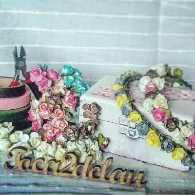 taller-de-diadema-y-coronas-de-flores-en-Pukymuky